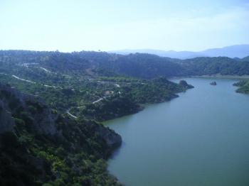 Vista_del_embalse_de_Guadalcac__n_desde_el_Tajo_del___guila_516125847